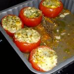 Tomates farcis au fromage aux herbes